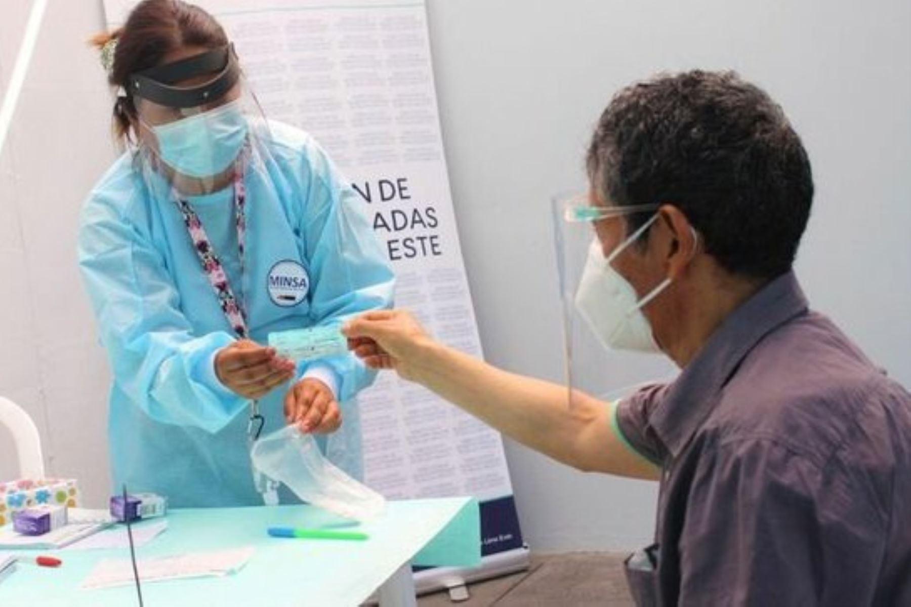 covid-19-implementan-centro-rapido-para-diagnosticar-infeccion-en-santa-anita