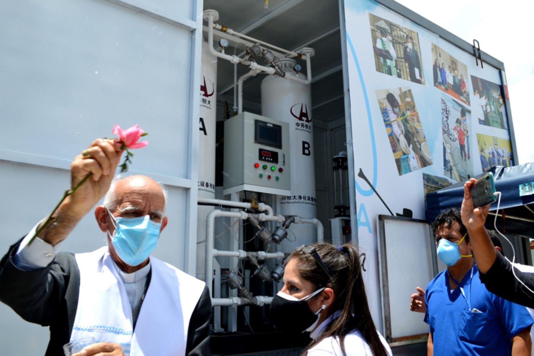 cajamarca-pone-en-funcionamiento-planta-del-pueblo-de-oxigeno-medicinal