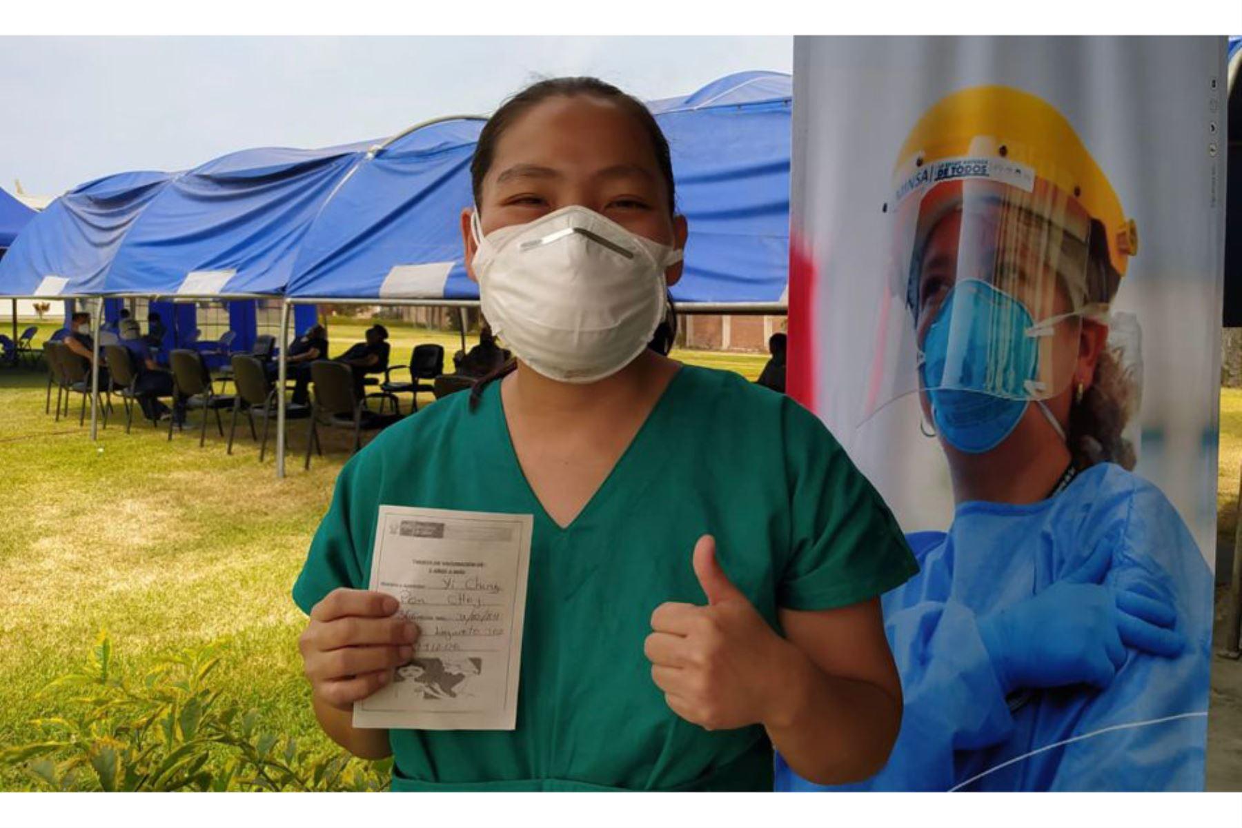 covid-19-hospital-cayetano-heredia-vacuno-al-100-de-su-personal-asistencial