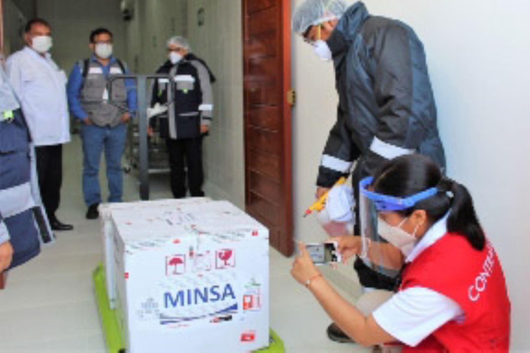 comision-de-la-contraloria-investiga-presunta-desaparicion-de-vacunas-en-tacna