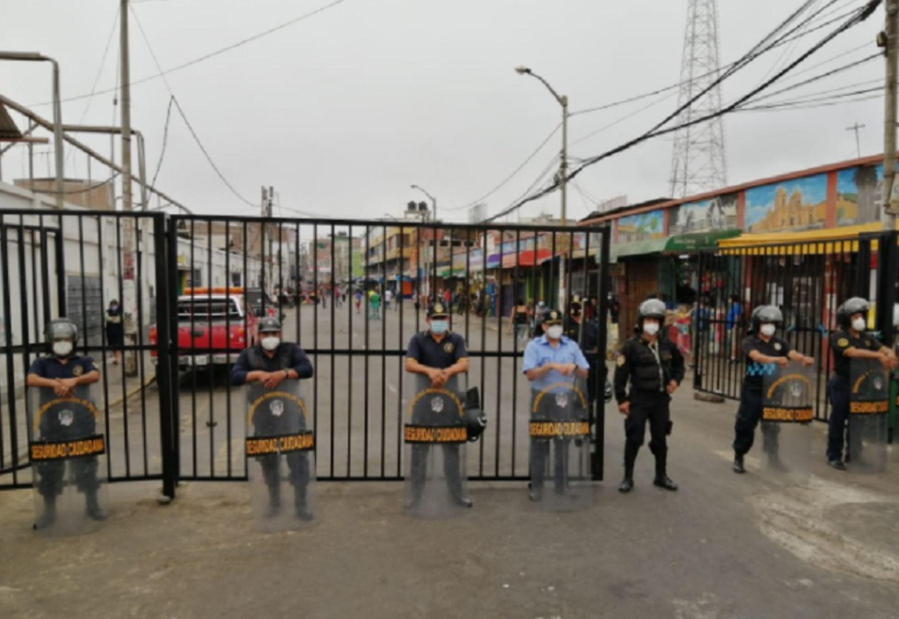 trujillo-peatonalizan-alrededores-del-mercado-mayorista-para-evitar-contagios-de-covid-19
