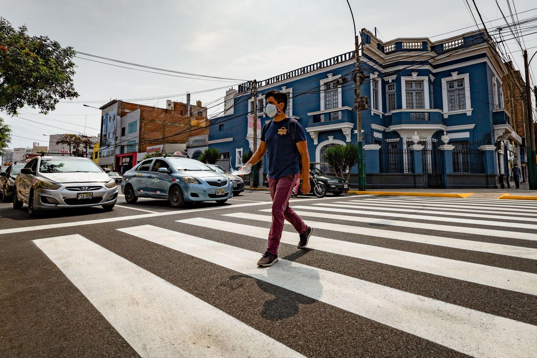 renuevan-pistas-y-senalizacion-en-mas-de-2-kilometros-de-la-avenida-general-garzon