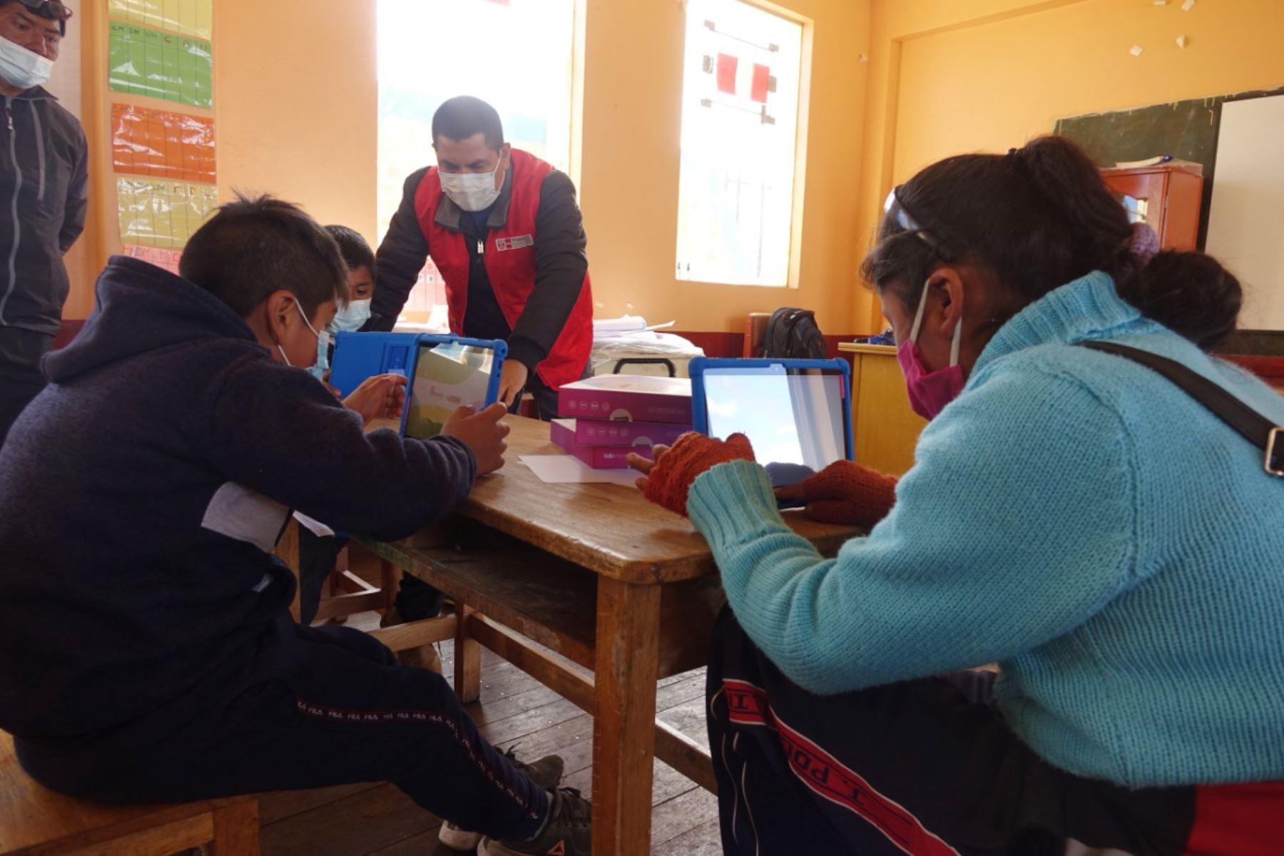 minedu-solo-19-de-colegios-esta-en-condiciones-de-reabrir-pero-todos-en-zona-rural