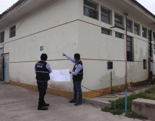 Equipo técnico del Minsa inspecciona en Huamanga el terreno donde se construirá el futuro Hospital Bicentenario de Ayacucho. ANDINA/Difusión
