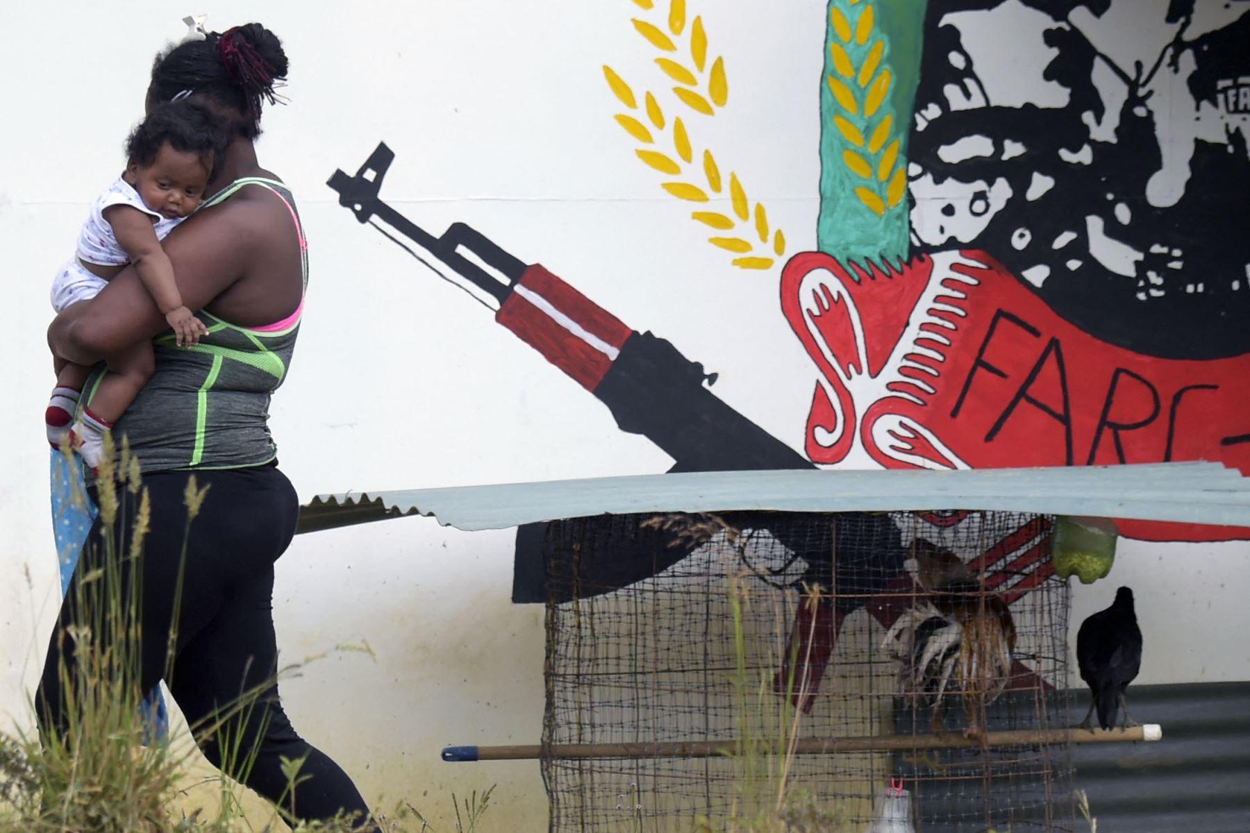 casi-4800-indigenas-estan-atrapados-en-medio-de-combates-internos-en-colombia