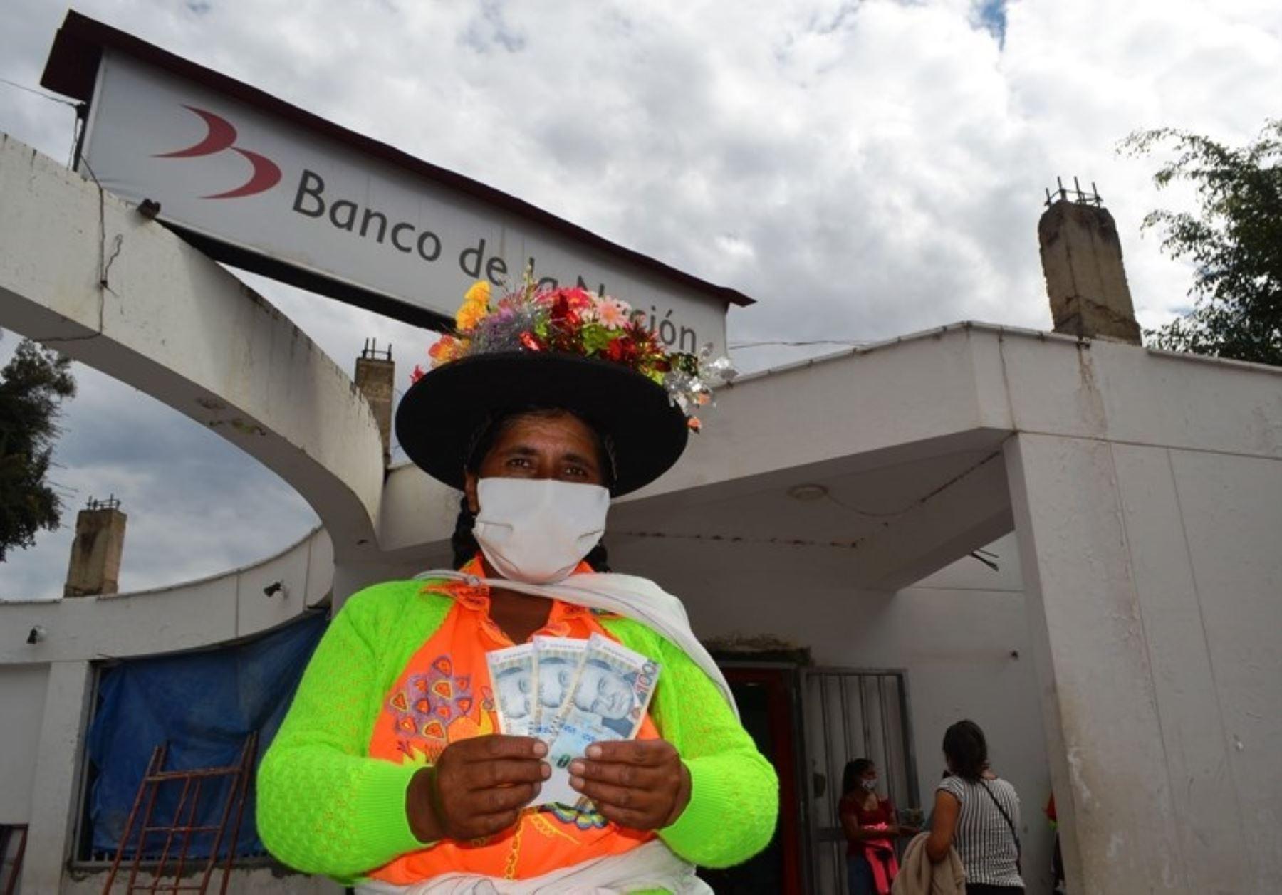 bono-600-desde-hoy-empieza-pago-en-domicilio-mediante-carritos-pagadores