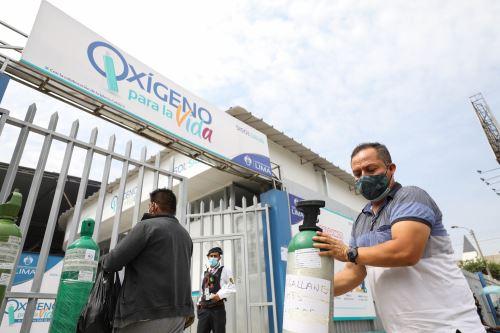Covid-19: planta de oxígeno de SISOL-SJL continúa brindando servicio gratuito de recarga de balones