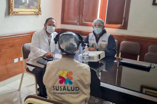 La Superintendencia Nacional de Salud inició una investigación sobre el fallecimiento de pacientes afectados por covid-19, ocurrido en la víspera en el Hospital II EsSalud de Talara. ANDINA/Difusión