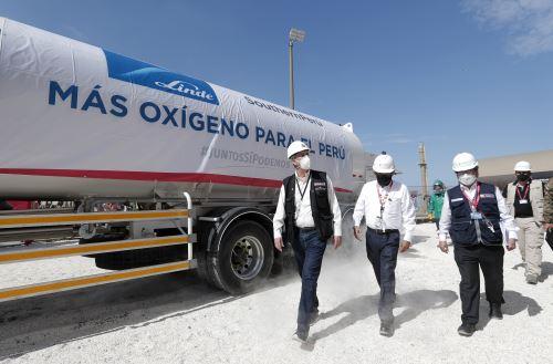 Presidente Sagasti llegó a Moquegua para  la entrega de vacunas al personal de salud y 20 toneladas de oxígeno