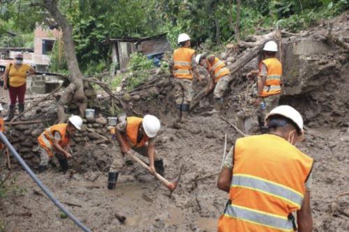 FF.AA brindan ayuda a la comunidad de San Carlos en la La Merced afectados por lluvias intensas y huaicos en Junín