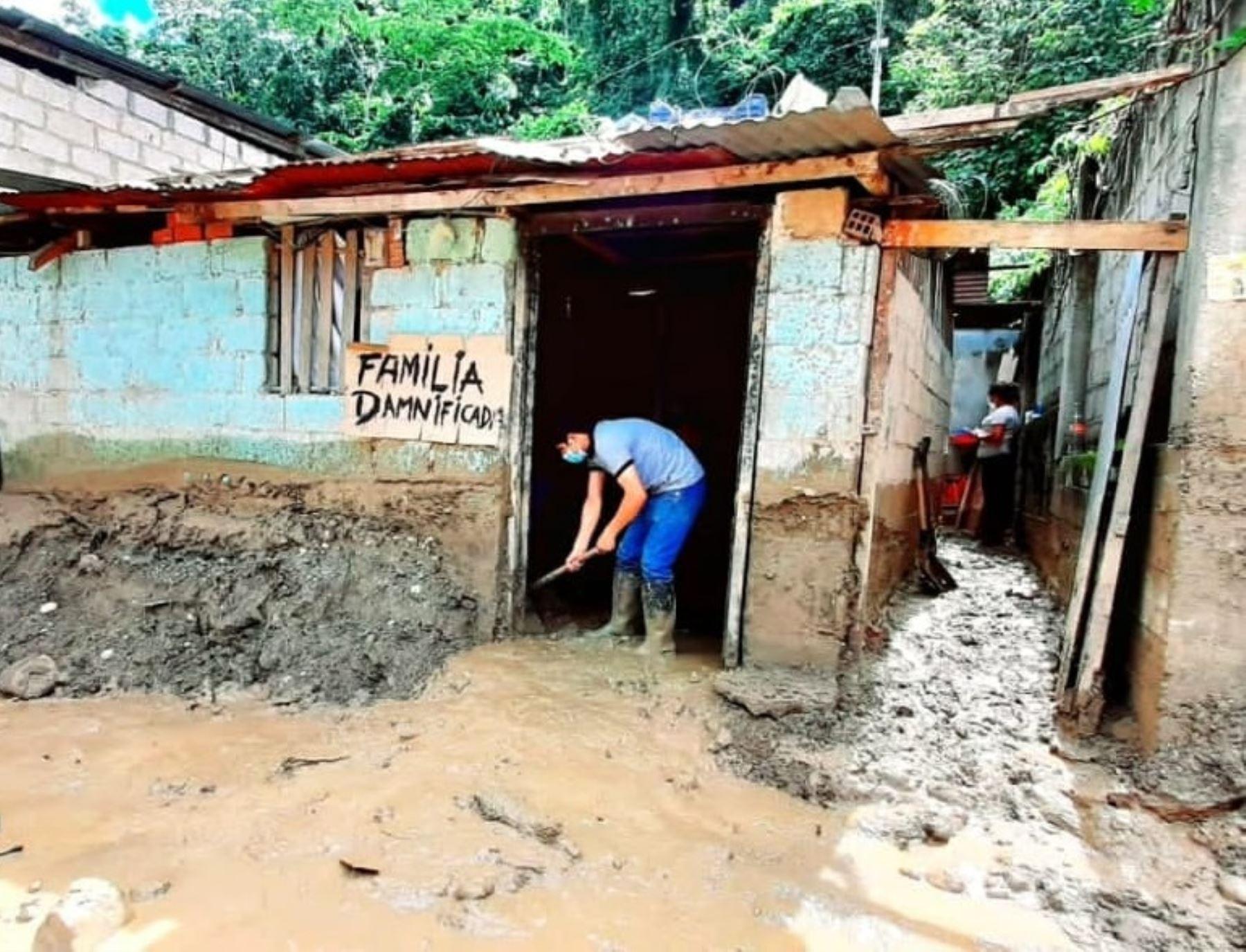 Las lluvias intensas causaron cuantiosos daños en varias viviendas y calles del distrito de San Ramón, provincia de Chanchamayo, en Junín.