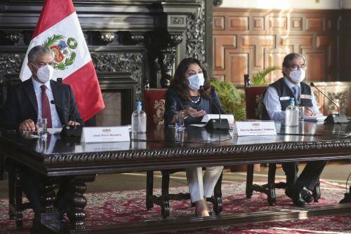 Presidenta del Consejo de Ministros y ministros de Estado  brindan conferencia de prensa
