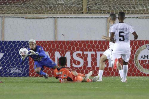 César Vallejo y Caracas FC igualan 0 a 0 en partido por la Copa Libertadores