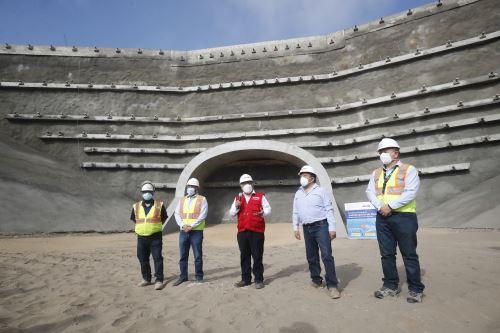 Ministro de Transportes inspecciona el Terminal Portuario Multipropósito de Chancay