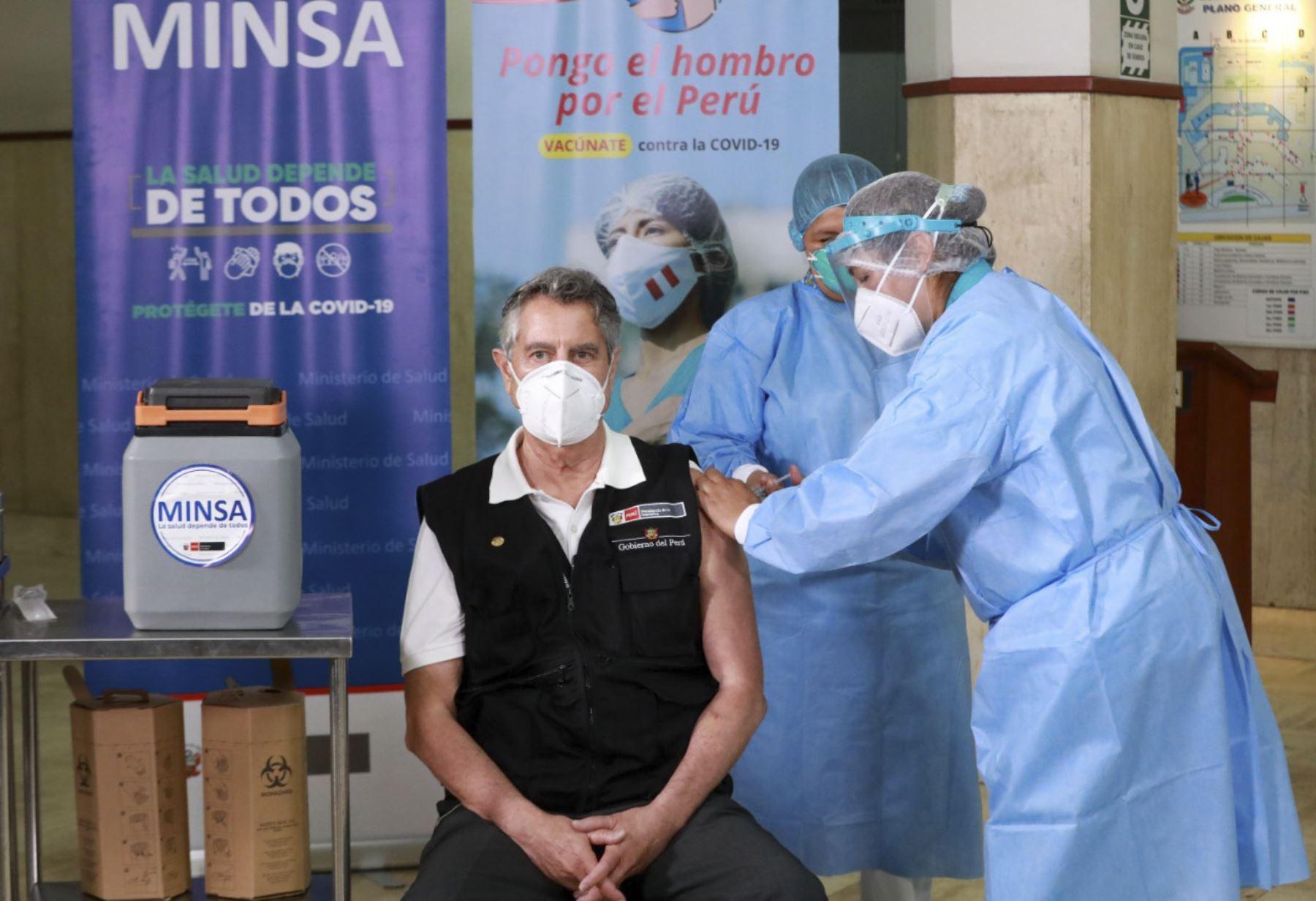 Inicio de vacunación, presidente Sagasti recibió su primera dosis. Foto: ANDINA