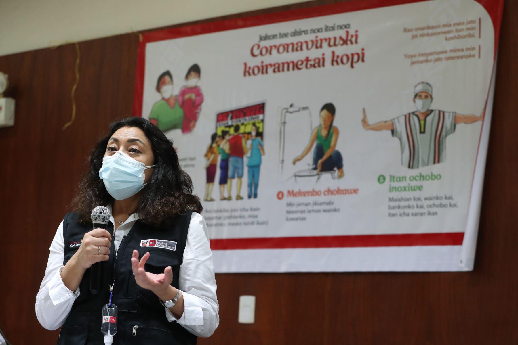 La jefa del Gabinete Ministerial, Violeta Bermúdez, llega a Ucayali para realizar la supervisión del proceso de vacunación contra el covid-19 del personal de salud en la región. Foto:ANDINA/PCM