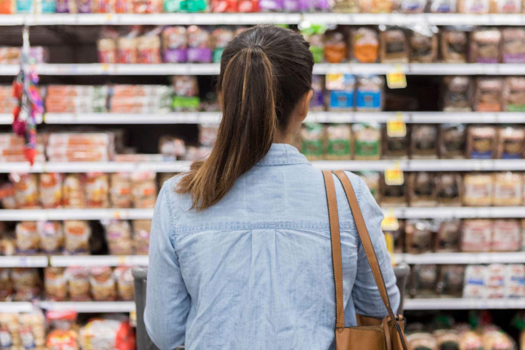 Nutricionista revela 5 hábitos alimenticios que están perjudicando tu salud