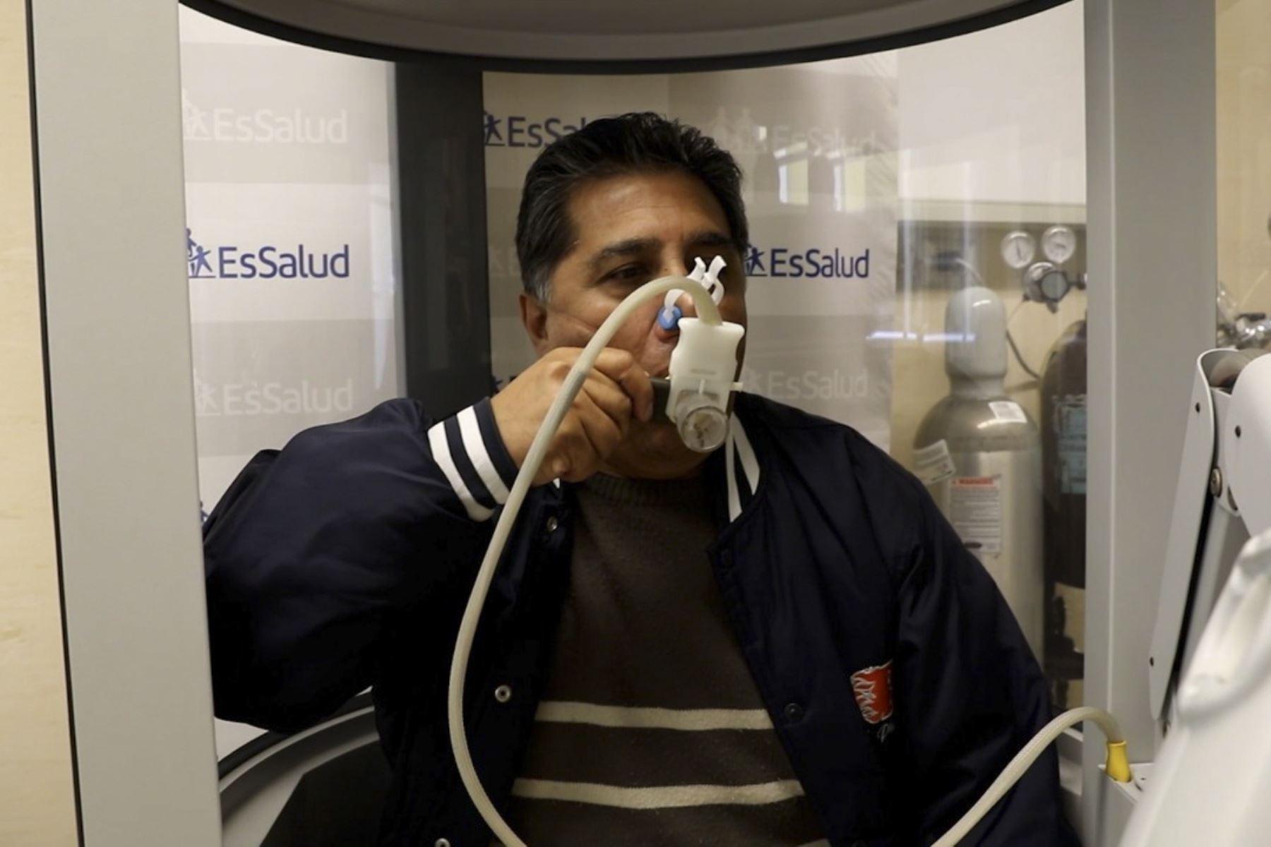 La probabilidad de tener fibrosis pulmonar se incrementa con la edad, señalan expertos. Foto: ANDINA/EsSalud.