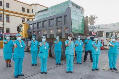 La planta generadora de oxígeno fue trasladada desde Oyón hasta el hospital, y su instalación tomará aproximadamente 15 días hábiles. Foto:ANDINA/Minsa