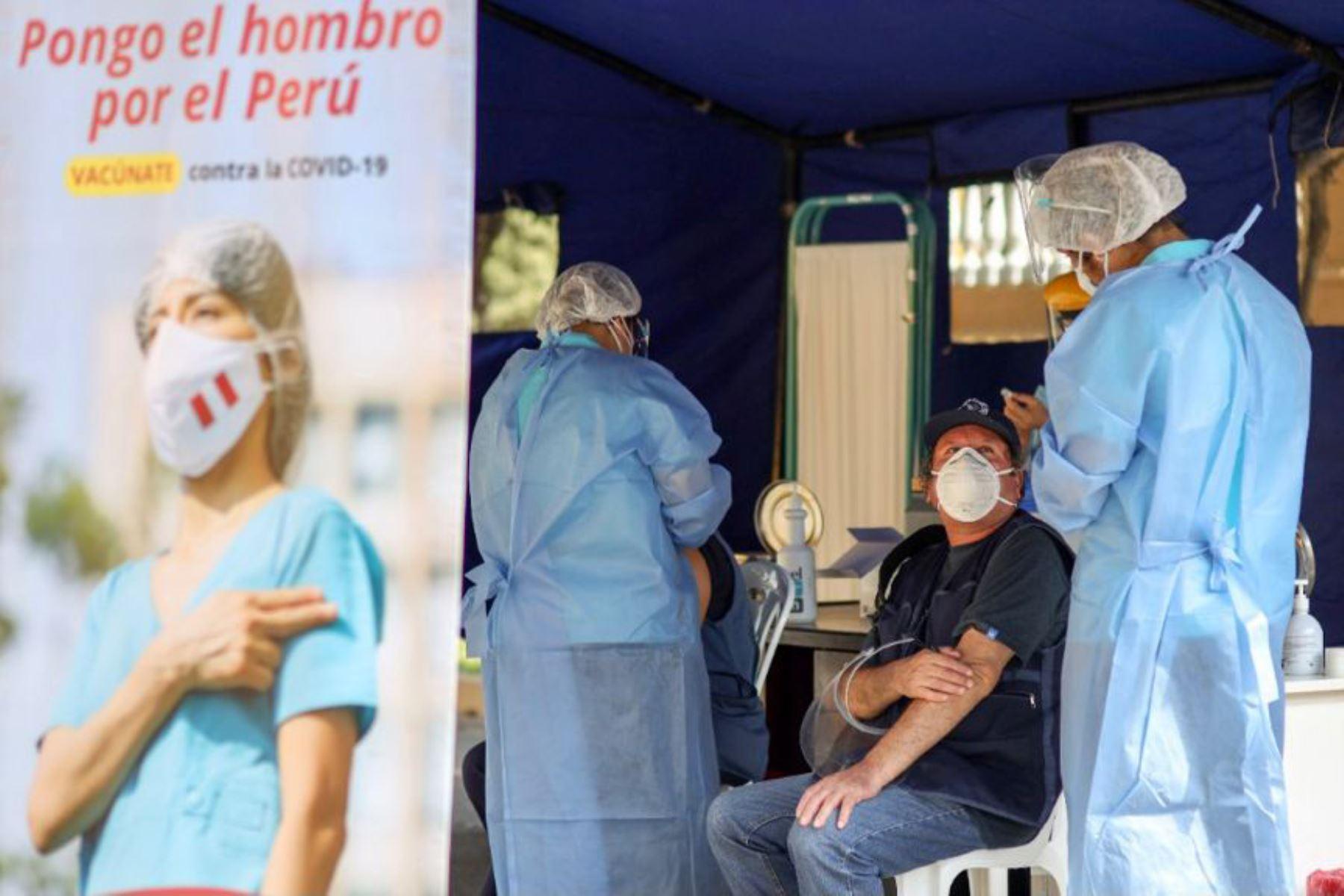 Minsa: Más de 1700 vacunadores trabajarán mañana, tarde y noche este fin de semana