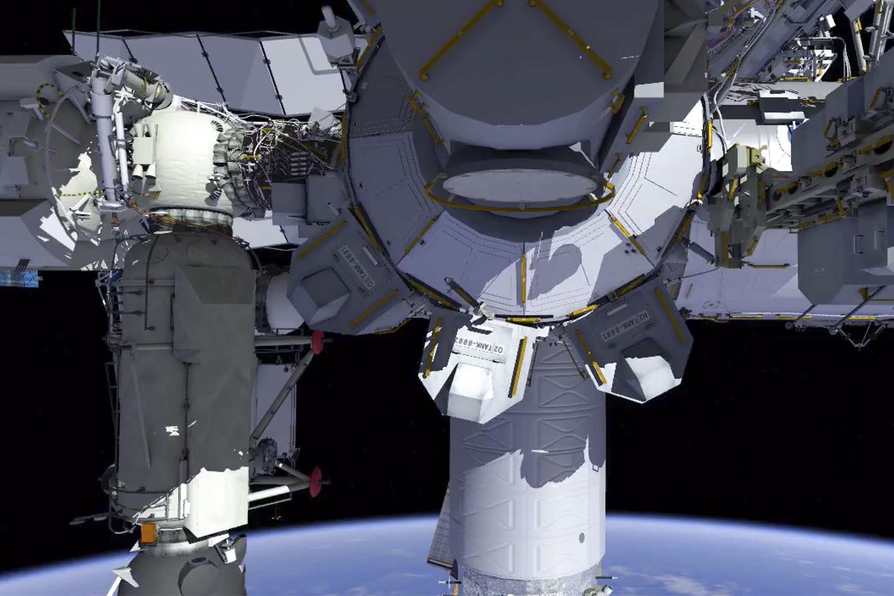 Esos paneles solares se enviarán en las próximas misiones de carga de Space Dragon para su instalación este año. Foto: NASA