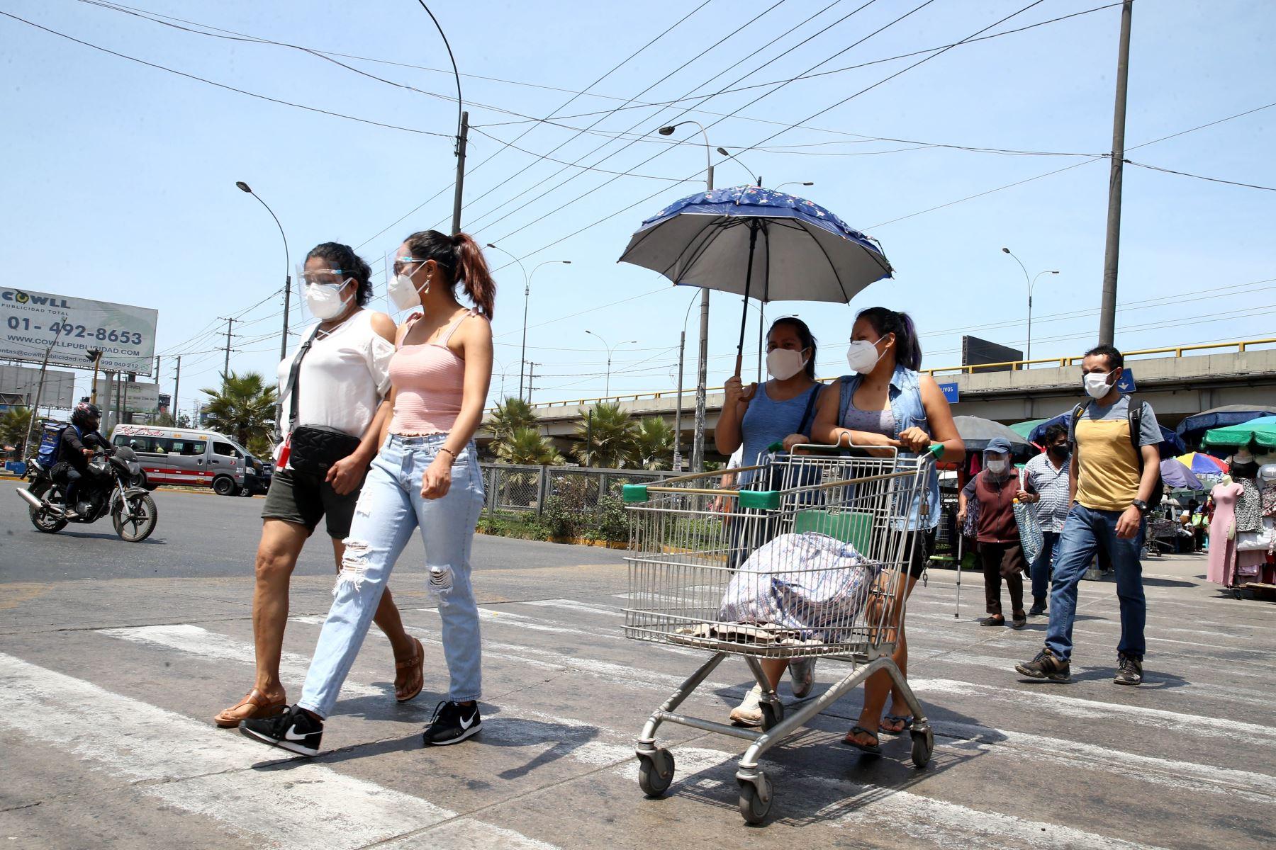 Hoy es el último día de la cuarentena establecida por el Gobierno para enfrentar el covid-19 en Lima Metropolitana, el Callao y demás provincias consideradas en nivel de alerta extremo.Imagen de la Panamericana Norte. Foto: ANDINA/Vidal Tarqui