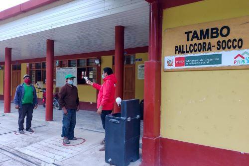 Tambos cuentan con pulsioxímetros para prevenir contagios Covid-19 en comunidades rurales de Sierra y Selva