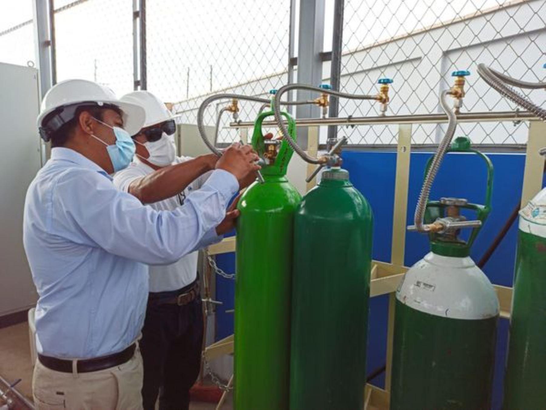 Hospital Regional de Chimbote, en Áncash, pone en funcionamiento nueva planta de oxígeno medicinal que servirá para atender la alta demanda de este vital insumo para pacientes covid-19. Foto: ANDINA/difusión.