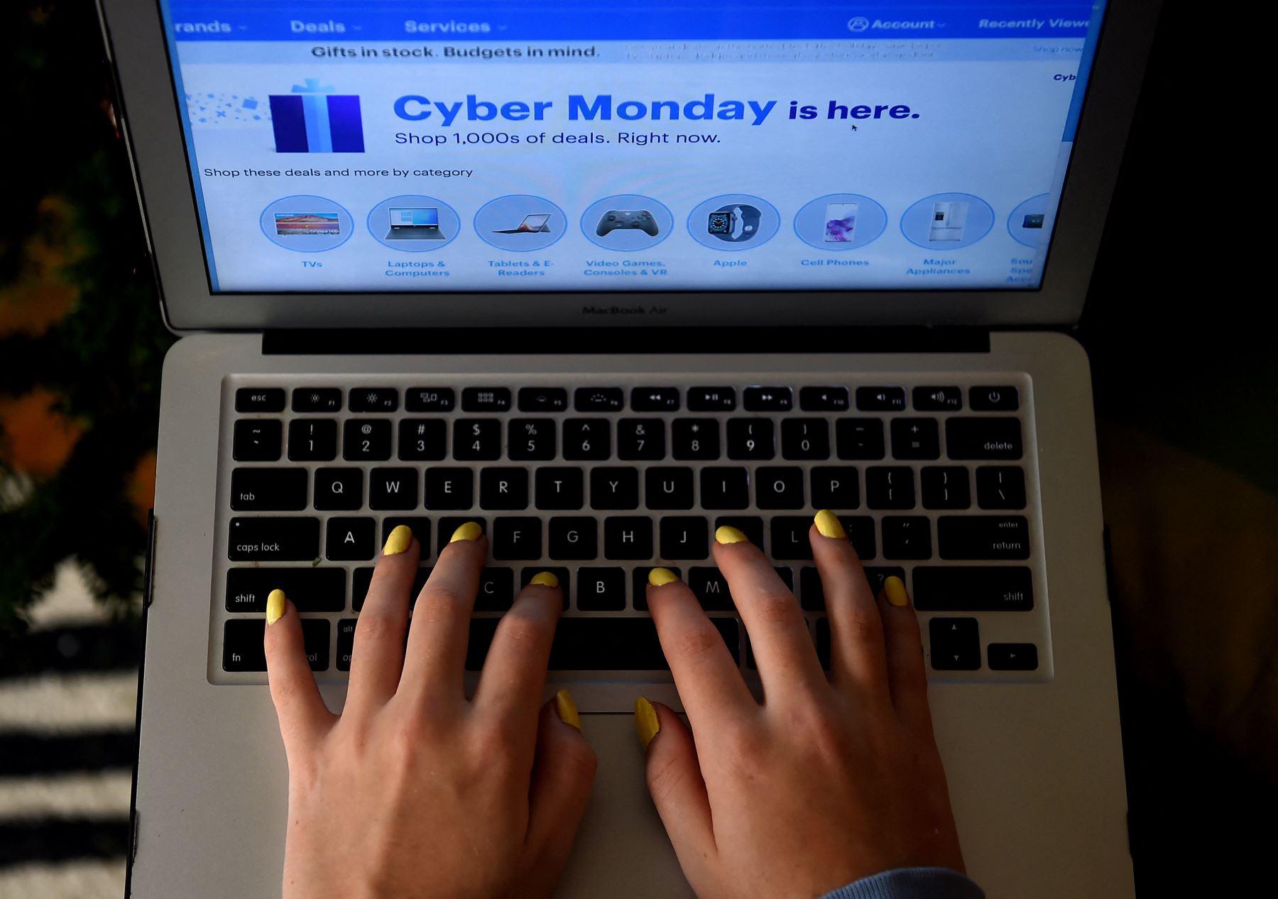El comercio electrónico se ha visto impulsado por el confinamiento derivado de la pandemia del nuevo coronavirus. Foto: AFP