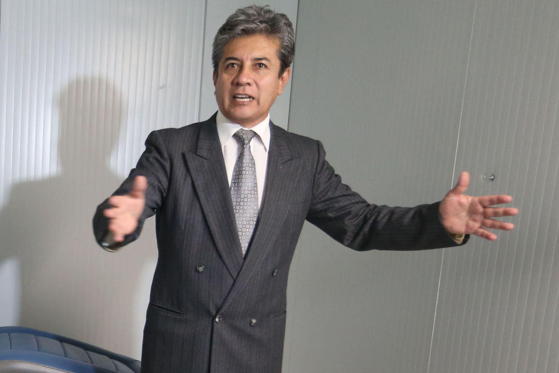 El viceministro de Salud, Percy Minaya León, precisó que el padrón se elaborará con diferentes bases de datos como las de la Seguridad Social, Ministerio de Desarrollo e Inclusión Social (Midis) y Ministerio de la Mujer, pero también de la ONPE y el Reniec. Foto: ANDINA/MInsa