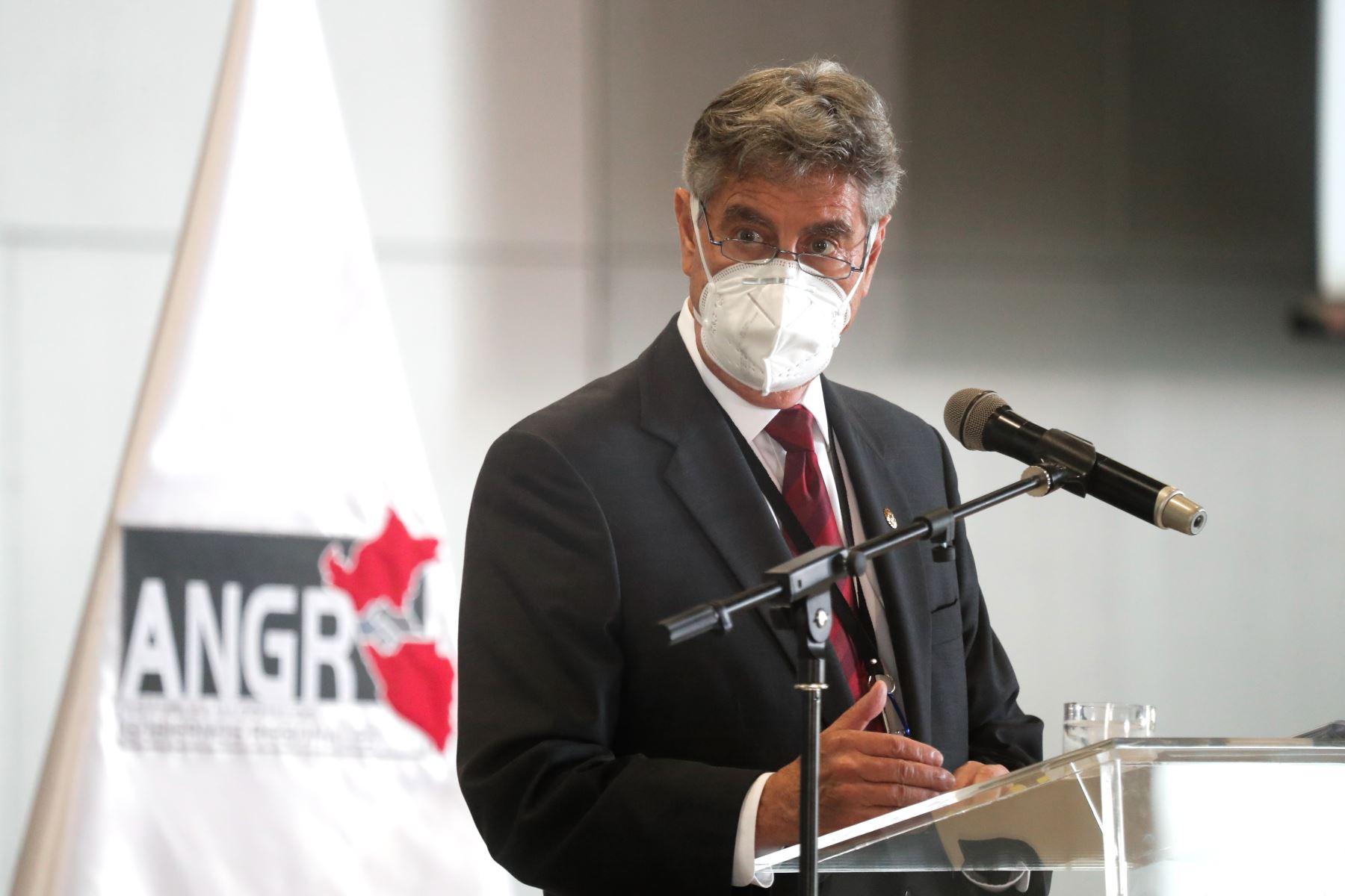 El presidente Francisco Sagasti, asiste a la juramentación del nuevo Consejo Directivo de la Asamblea Nacional de Gobiernos Regionales. Foto: Presidencia