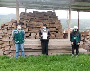 Serfor resalta transferencia de carbón y madera ilegal incautada a colegios y municipios de Cusco. ANDINA/Difusión