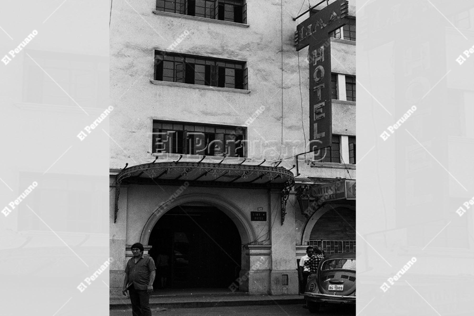 Lima - 19 noviembre 1988 / Fachada del Hotel Lima donde vivió gran parte de su vida el pintor Víctor Humareda. Foto: Archivo Histórico de EL PERUANO / Alan Ramírez