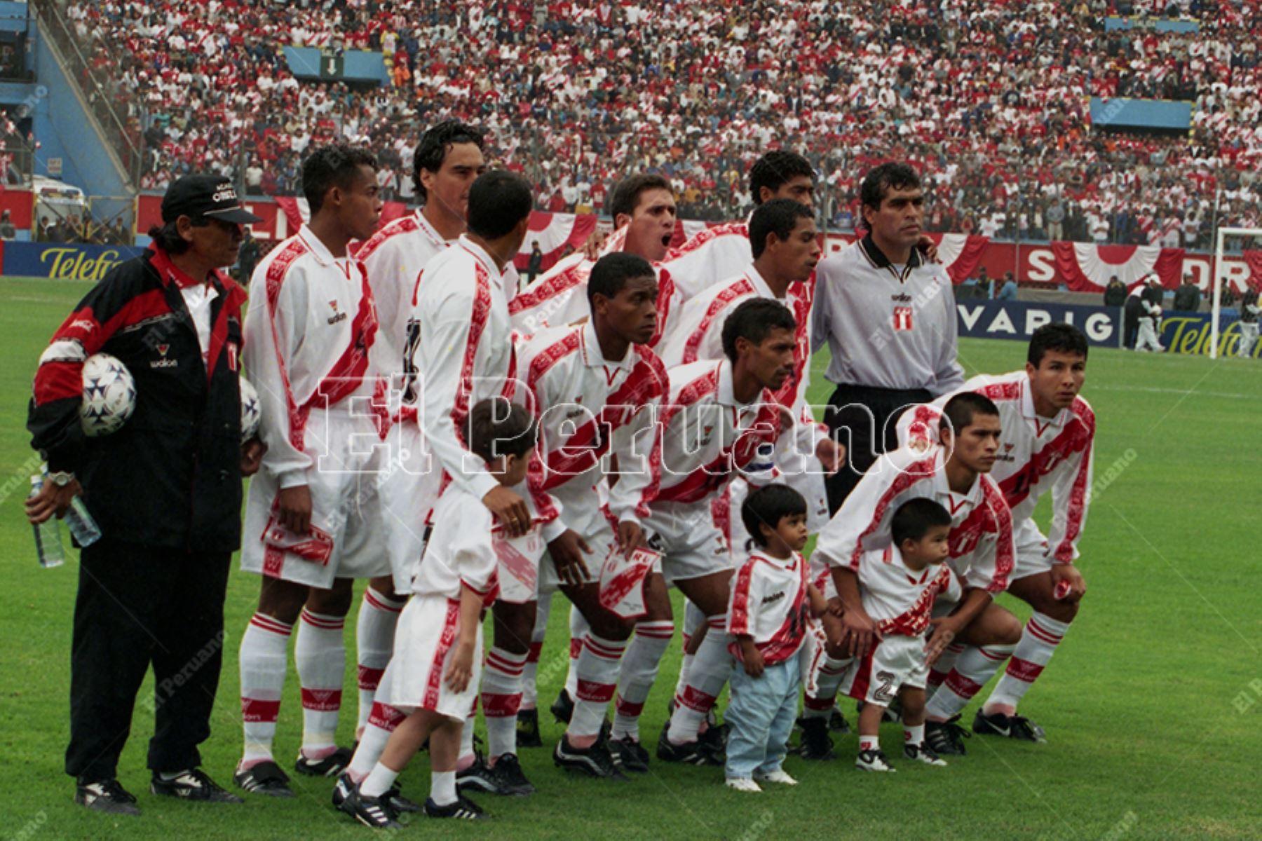 Lima - 4 junio 2000 / Miguel Miranda en la selección peruana de fútbol que enfrentó a Brasil por la tercera fecha de las eliminatorias al mundial Corea-Japón 2002.  Foto: Diario Oficial El Peruano / Ricardo Choy-Kifox