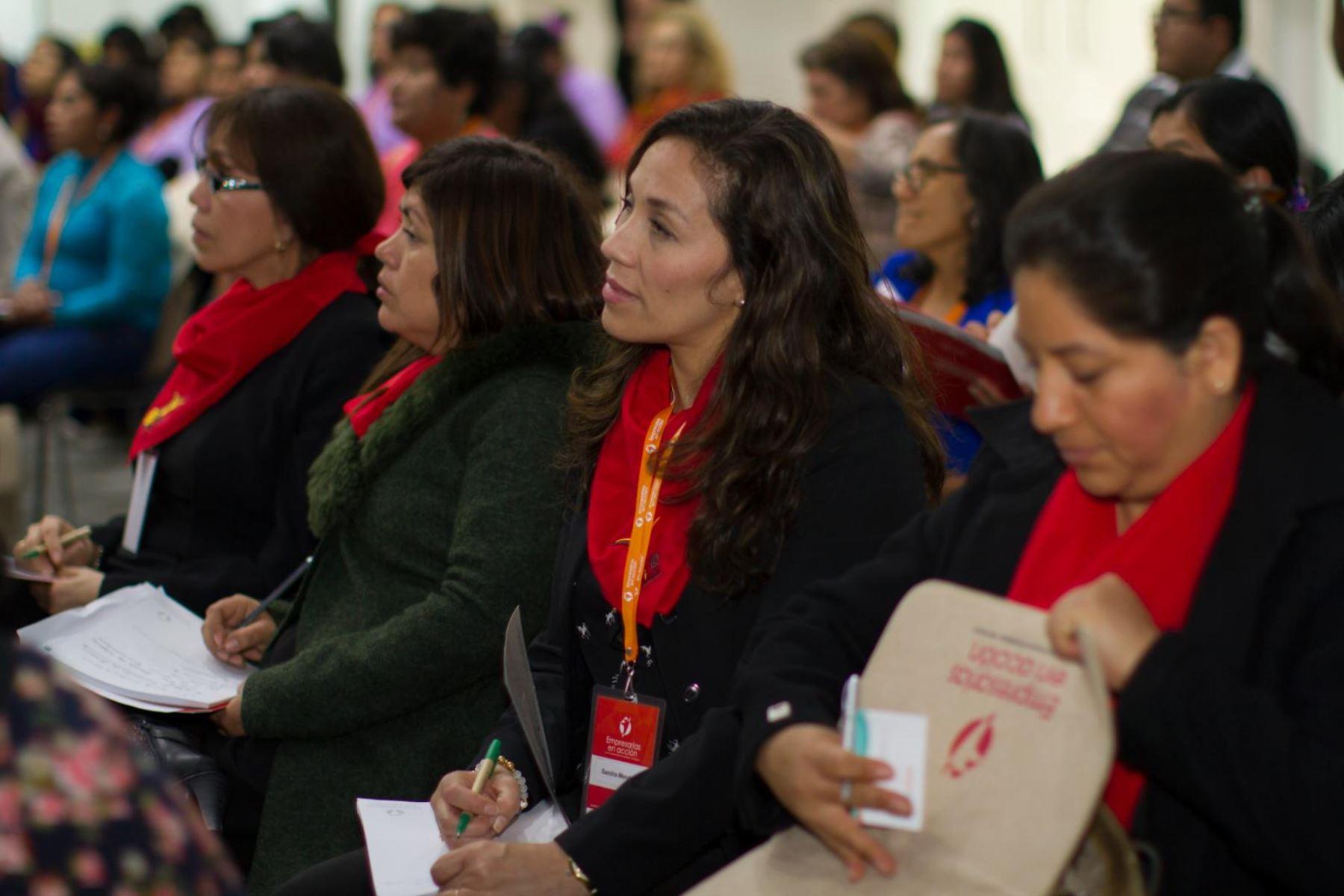 Aprueban resolución para apoyar emprendimientos liderados por mujeres