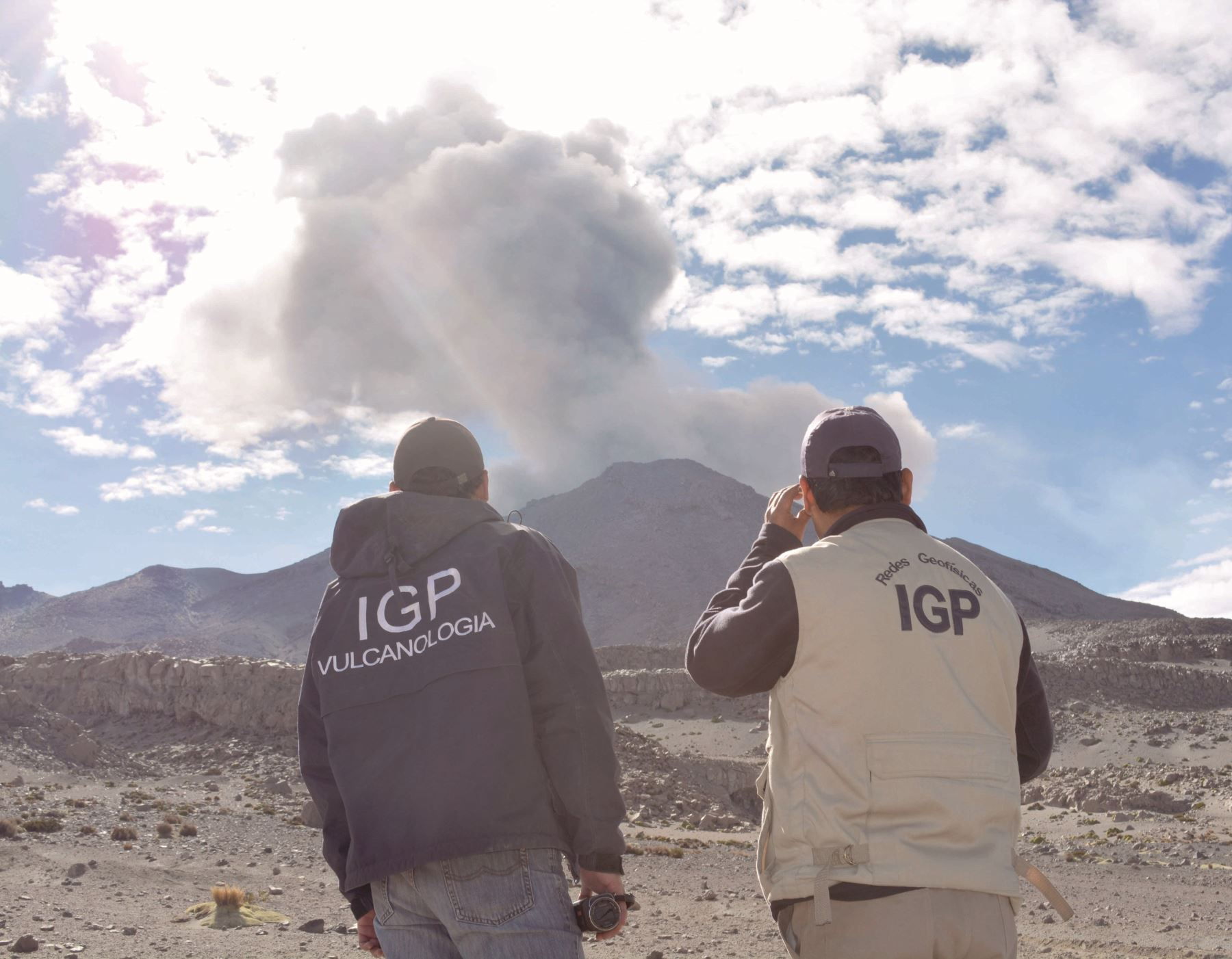 IGP reporta un descenso en la actividad de los volcanes ubicados en Moquegua, como el Ubinas, y cambia el nivel de alerta.