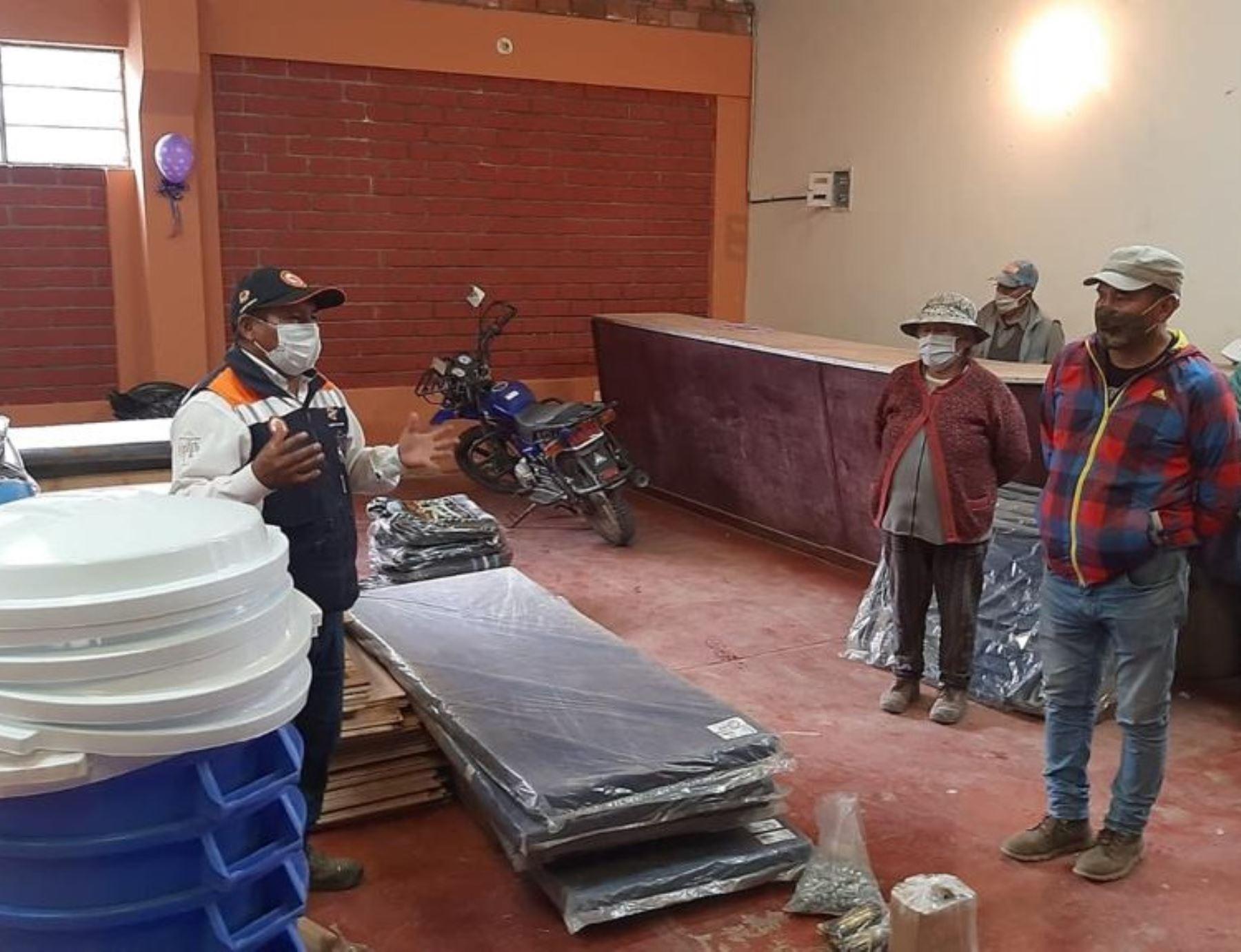 La Municipalidad Distrital de Pampas Grande coordina con la municipalidad provincial de Huaraz y el gobierno regional de Áncash el apoyo con bienes de ayuda humanitaria para las personas afectadas por temporales, las cuales están realizando trabajos de reparación de sus viviendas. ANDINA/Difusión