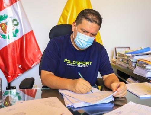 Roberto Briceño, alcalde provincial del Santa, en Áncash, superó el coronavirus (covid-19) y hoy retomó sus funciones. ANDINA/Difusión