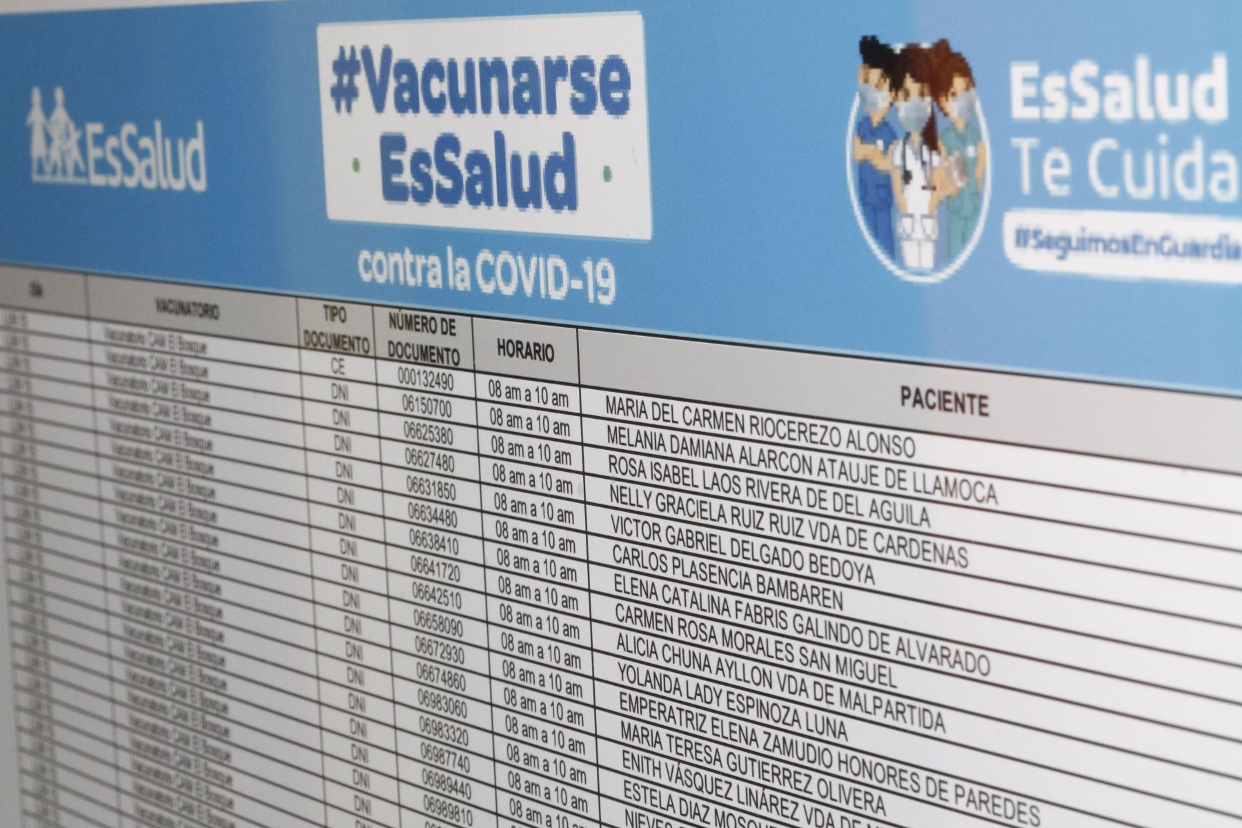 Segunda lista para recibir la vacuna anticovid.