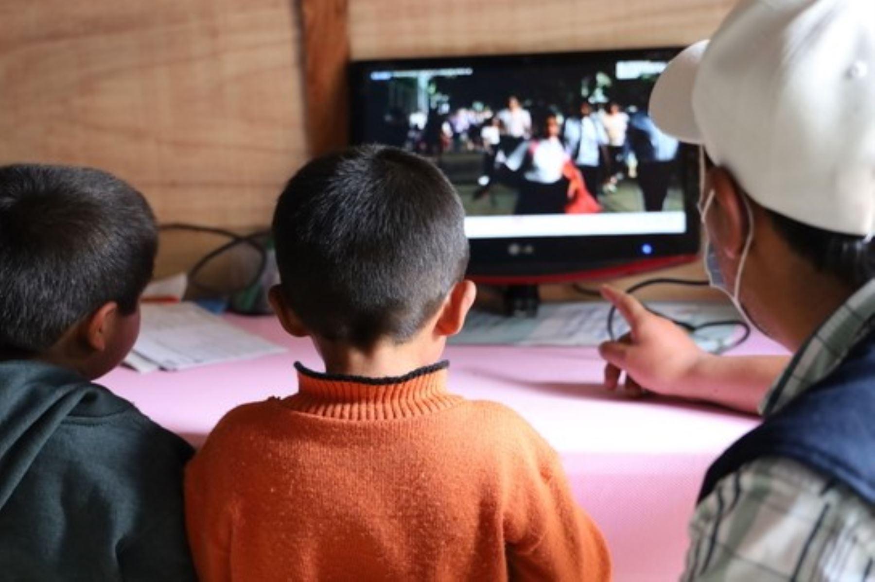Escolares de la zona rural se beneficiarán con los contenidos de Aprendo en Casa.