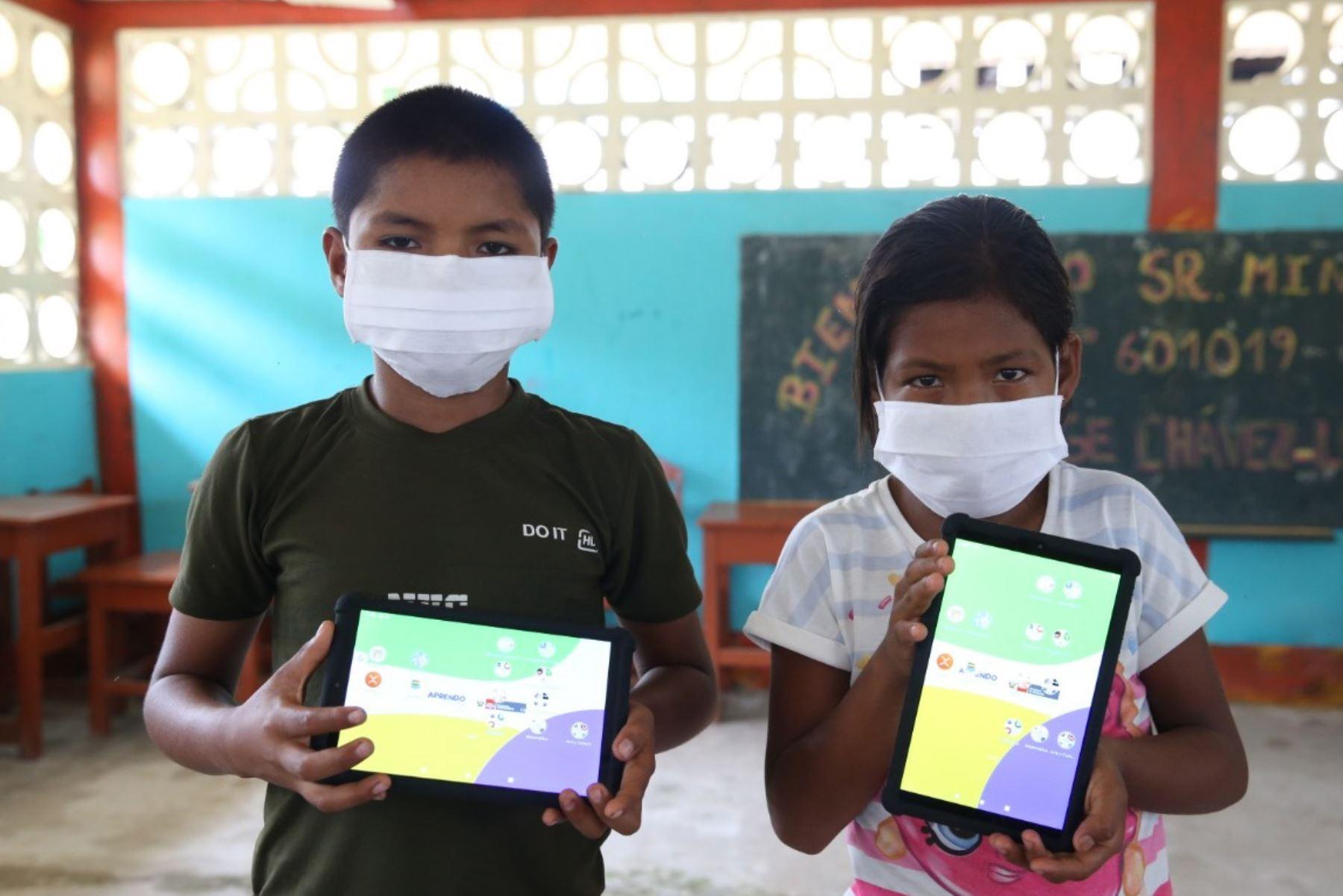 Por el Buen Inicio escolar 2021, el ministro de Educación informó que en las regiones de Loreto, Ucayali, Amazonas y Madre de Dios, 1,000 escuelas tendrán internet. Foto: ANDINA/Minedu