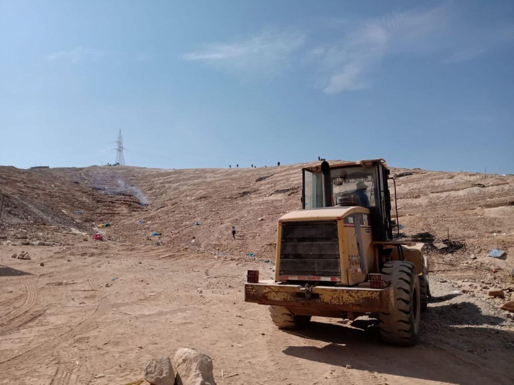 El Ministerio de Cultura desalojó a los invasores de sitio árquelógico de Chen Chen, ubicado en Moquegua