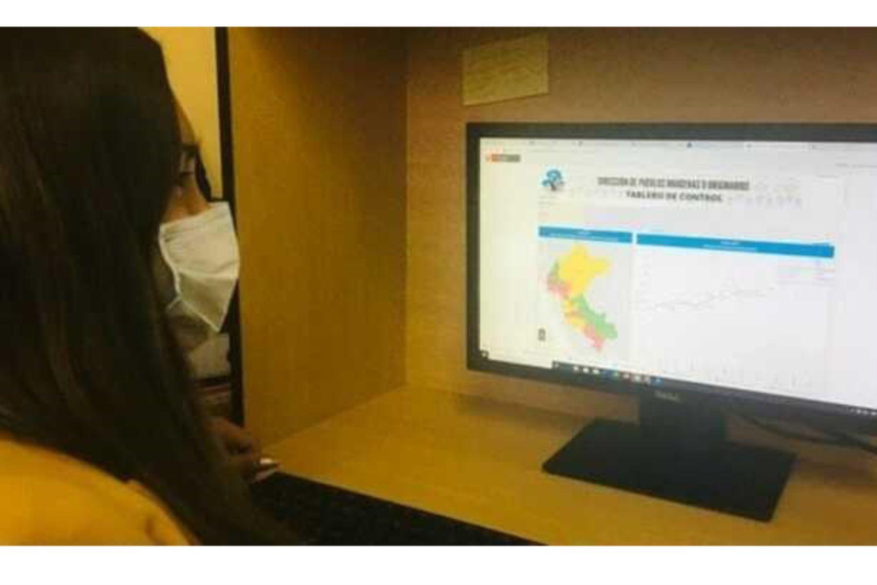 Mediante el Tablero de Control puede accederse a data actualizada de la Sala de Población Indígena con covid-19. Foto: ANDINA/Minsa