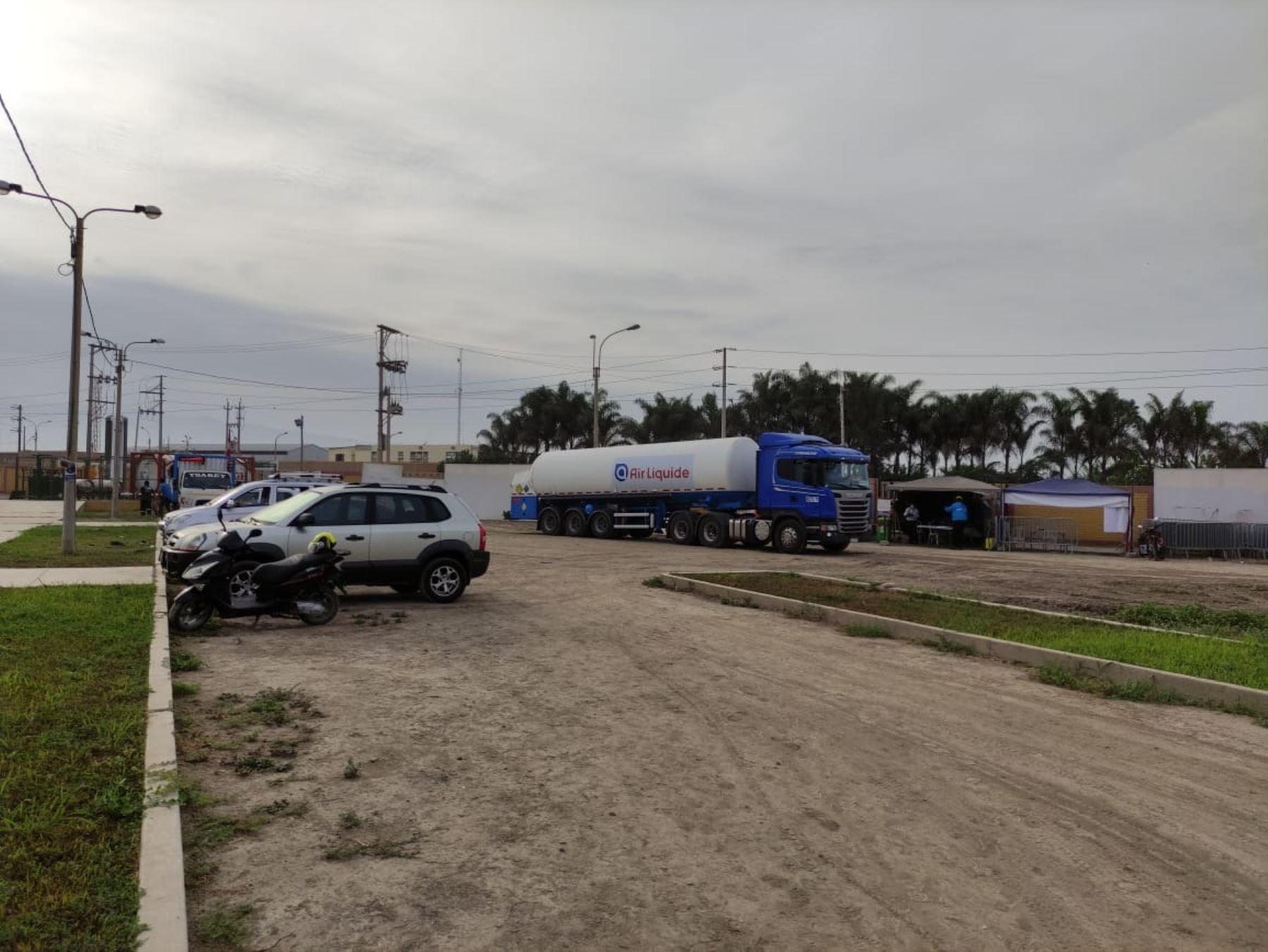 Después de varios días de viaje esta mañana llegó a Cañete la cisterna con el oxígeno medicinal importado de Chile.