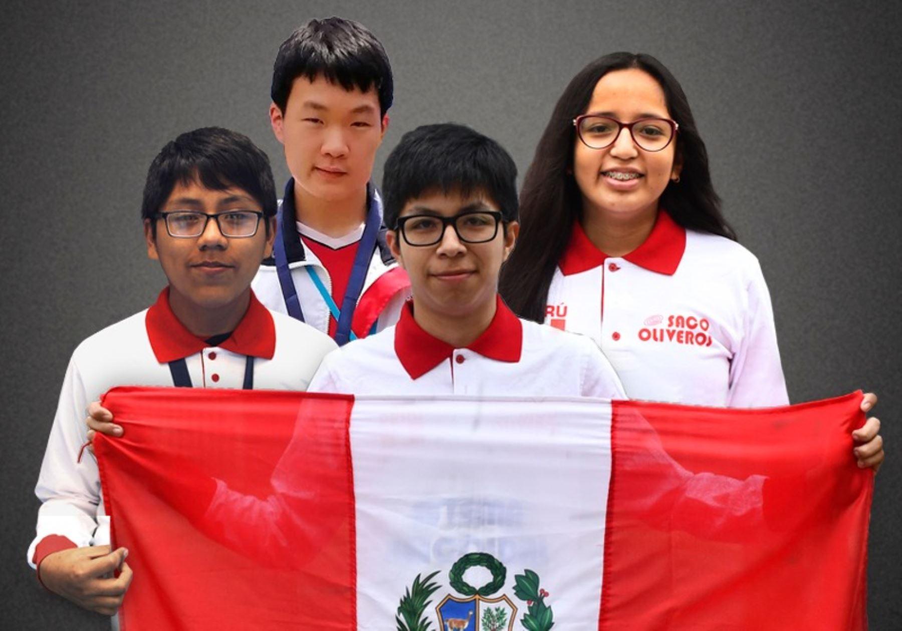 En plena pandemia, Mijaíl, Eduardo, Johan y Carla participaron en concurso de manera virtual. Foto: Saco Oliveros.