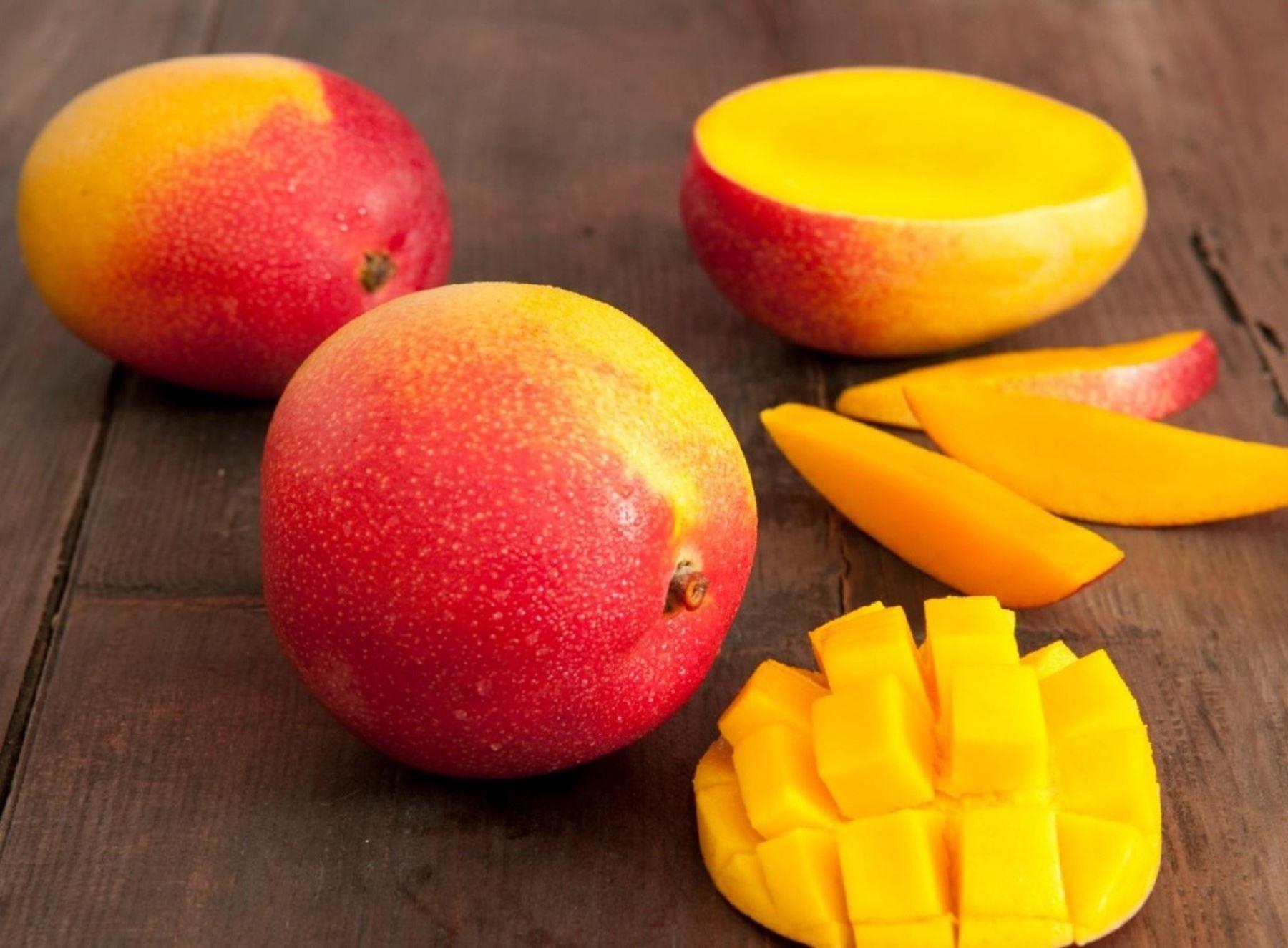 El mango destaca  por su alto contenido de vitaminas A y C y se cultiva principalmente en Piura. Foto: Cortesía Promperú