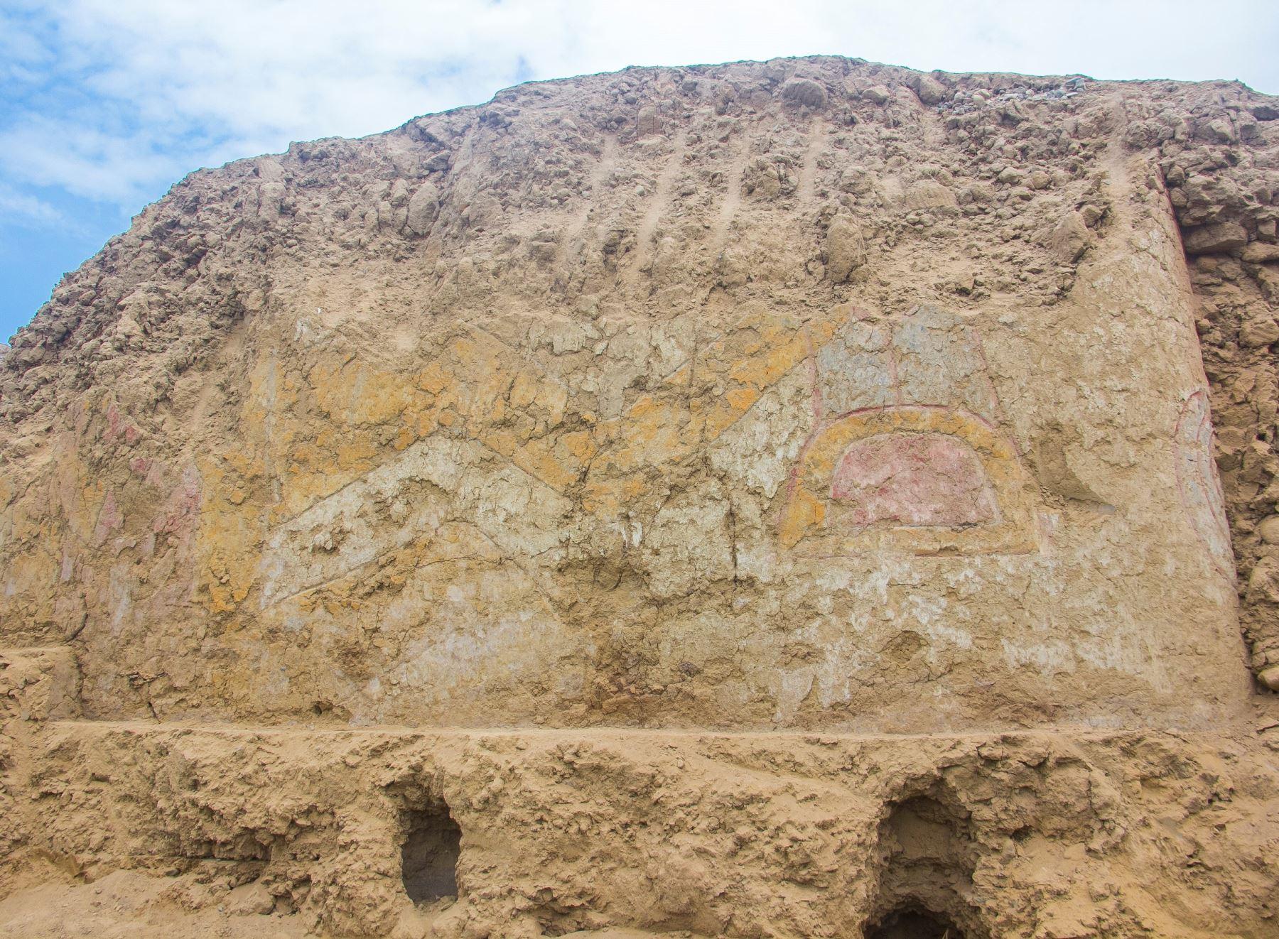 Investigadores realizaron un importante hallazgo arqueológico en La Libertad, al descubrir un pintura mural de más de 3,200 años en el valle de Virú. Fotos: Luis Puell