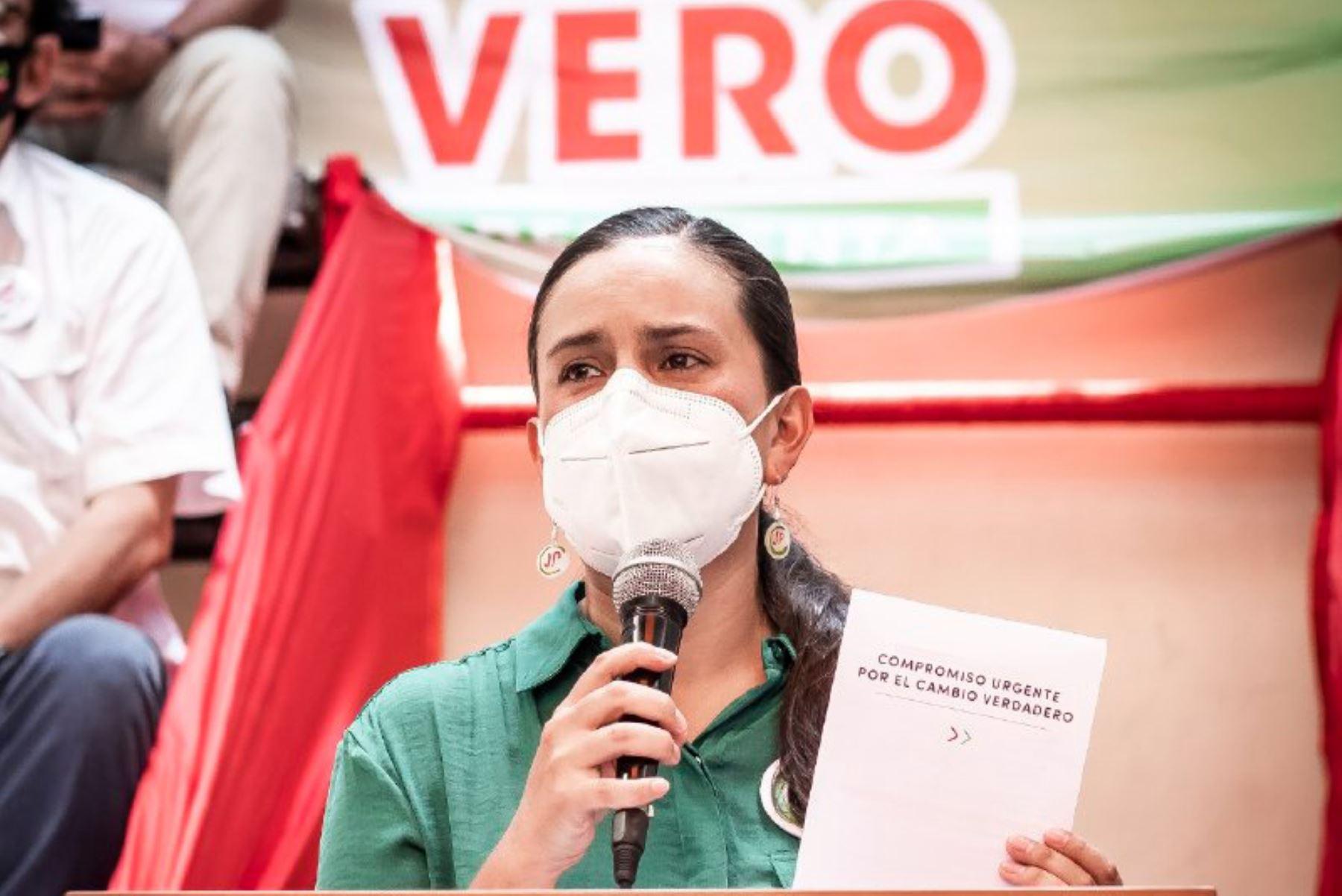 Mendoza dio una conferencia hoy a la prensa extranjera acreditada en el Perú. ANDINA/Difusión