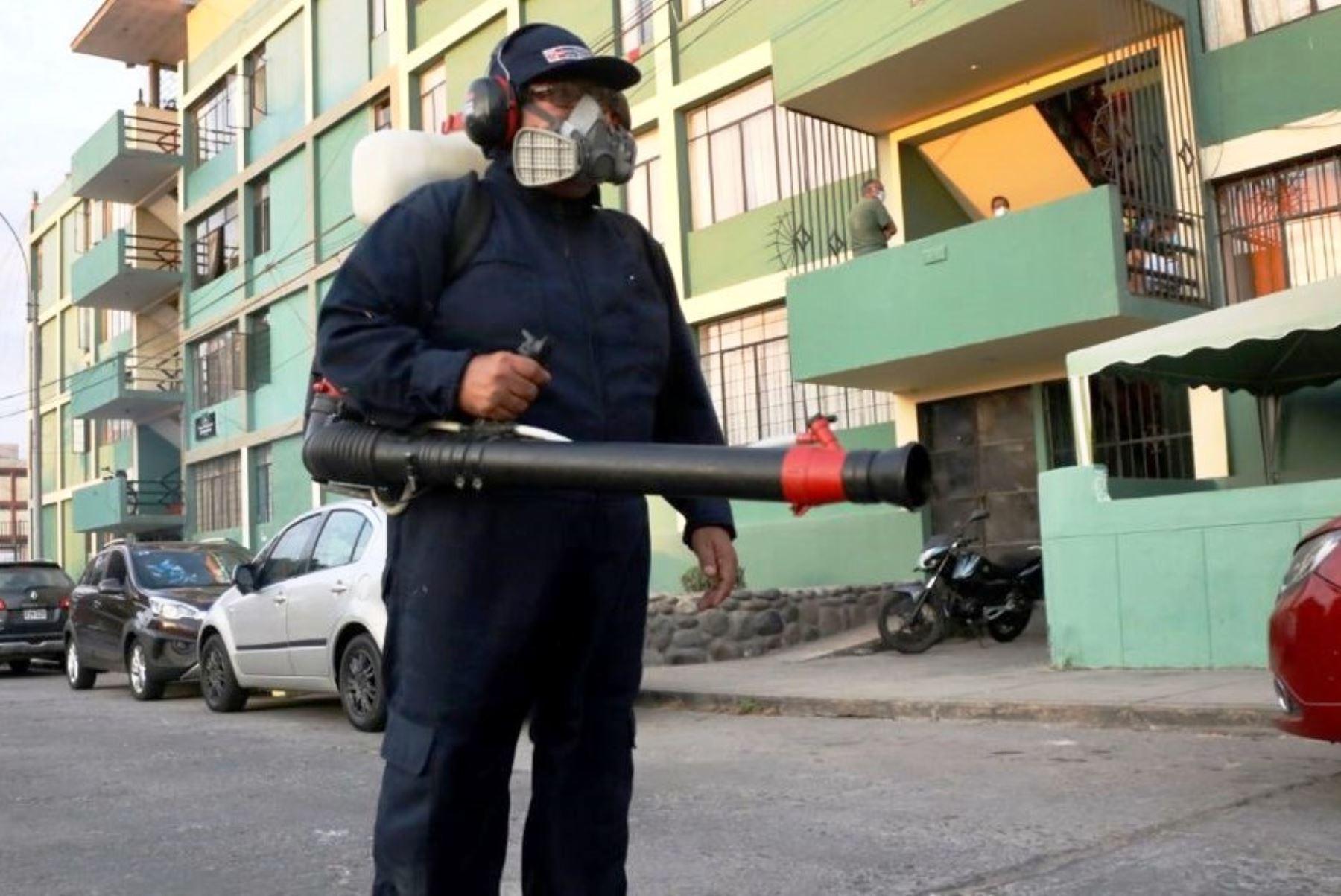 Minsa fumigó primeras 100 viviendas en Cercado de Lima ante casos de dengue. Foto: ANDINA/Difusión.