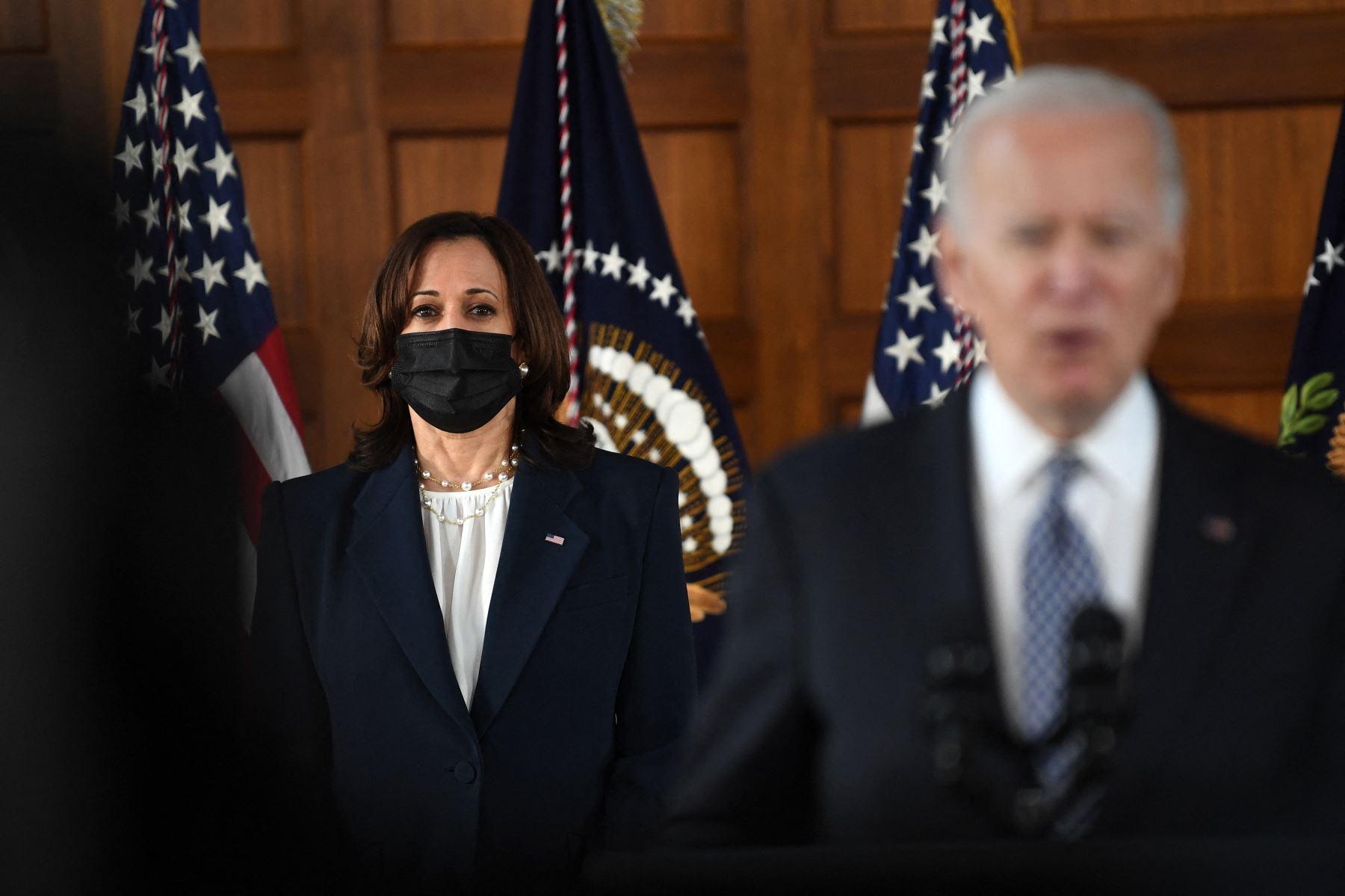 Esta es la primera misión específica que Biden encarga a Harris, percibida como parte de una generación más joven del Partido Demócrata. Foto: AFP